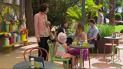 Lina Vella, Nell Rebecchi, Sonya Mitchell in Neighbours Episode 7298