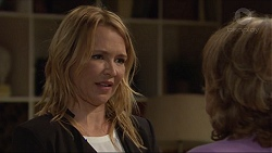 Steph Scully, Lyn Scully in Neighbours Episode 7301