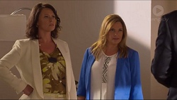 Julie Quill, Terese Willis in Neighbours Episode 7302