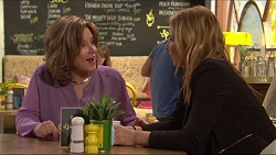 Lyn Scully, Steph Scully in Neighbours Episode 7302