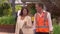 Julie Quill, Paul Robinson in Neighbours Episode 7302