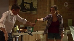 Paul Robinson, Amy Williams in Neighbours Episode 7303