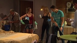 Doug Willis, Amy Williams, Steph Scully, Josh Willis in Neighbours Episode 7303
