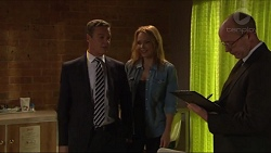 Paul Robinson, Steph Scully, Trevor Lucas in Neighbours Episode 7303