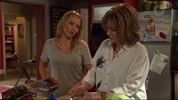 Steph Scully, Lyn Scully in Neighbours Episode 7306