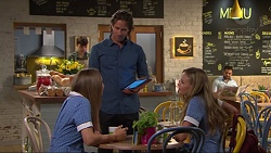 Piper Willis, Brad Willis, Xanthe Canning in Neighbours Episode 7306
