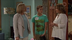 Philippa Hoyland, Charlie Hoyland, Lyn Scully in Neighbours Episode 7307