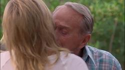 Lauren Turner, Doug Willis in Neighbours Episode 7307