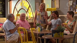 Doug Willis, Lou Carpenter, Lauren Turner, Brad Willis, Josh Willis in Neighbours Episode 7308