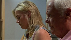 Lauren Turner, Lou Carpenter in Neighbours Episode 7308