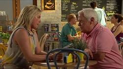 Lauren Turner, Lou Carpenter in Neighbours Episode 7309