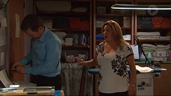 Paul Robinson, Terese Willis in Neighbours Episode 7310