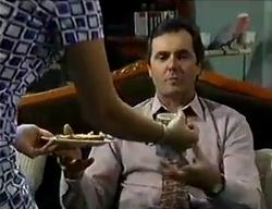Karl Kennedy, Dahl in Neighbours Episode 2853