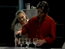 Debbie Martin, Darren Stark in Neighbours Episode 2855