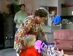 Rohan Kendrick, Marlene Kratz, Lou Carpenter, Louise Carpenter (Lolly) in Neighbours Episode 2856