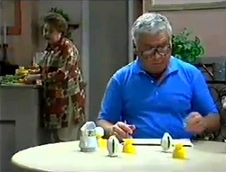 Marlene Kratz, Lou Carpenter in Neighbours Episode 2856