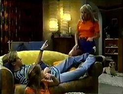 Ruth Wilkinson, Lance Wilkinson, Anne Wilkinson in Neighbours Episode 2888