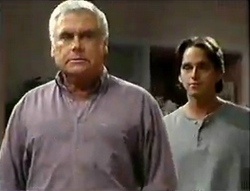 Lou Carpenter, Darren Stark in Neighbours Episode 2888