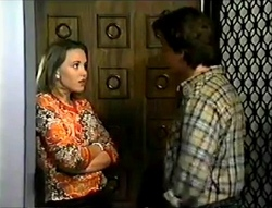 Libby Kennedy, Darren Stark in Neighbours Episode 2888