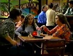 Darren Stark, Debbie Martin, Libby Kennedy in Neighbours Episode 2889