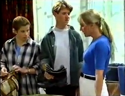 Anne Wilkinson, Lance Wilkinson, Ruth Wilkinson in Neighbours Episode 2889