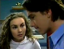 Debbie Martin, Darren Stark in Neighbours Episode 2890