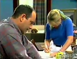Philip Martin, Holly, Ruth Wilkinson in Neighbours Episode 2890
