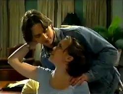 Darren Stark, Libby Kennedy in Neighbours Episode 2955