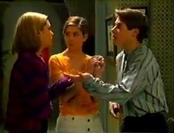 Amy Greenwood, Anne Wilkinson, Lance Wilkinson in Neighbours Episode 2955