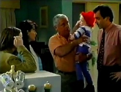Libby Kennedy, Susan Kennedy, Lou Carpenter, Louise Carpenter (Lolly), Karl Kennedy in Neighbours Episode 2975