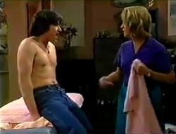 Darren Stark, Ruth Wilkinson in Neighbours Episode 2978