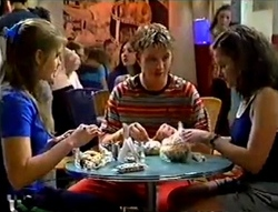 Mandi Rodgers, Billy Kennedy, Caitlin Atkins in Neighbours Episode 2979