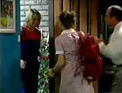 Ruth Wilkinson, Hannah Martin, Philip Martin in Neighbours Episode 2979