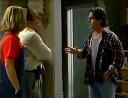 Ruth Wilkinson, Philip Martin, Darren Stark in Neighbours Episode 2979