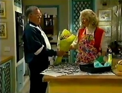 Harold Bishop, Madge Bishop in Neighbours Episode 2980