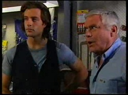 Drew Kirk, Lou Carpenter in Neighbours Episode 3076