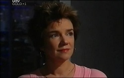 Lyn Scully in Neighbours Episode 4725