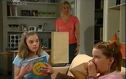Summer Hoyland, Janelle Timmins, Bree Timmins in Neighbours Episode 4729