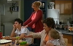 Stingray Timmins, Janelle Timmins, Lyn Scully, Oscar Scully in Neighbours Episode 4729