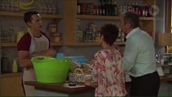 Josh Willis, Susan Kennedy, Karl Kennedy in Neighbours Episode 7311