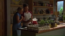 Lauren Turner, Josh Willis in Neighbours Episode 7311