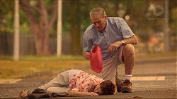 Susan Kennedy, Doug Willis in Neighbours Episode 7312