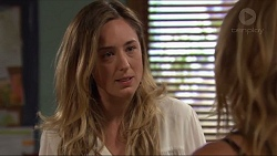 Sonya Rebecchi, Steph Scully in Neighbours Episode 7318