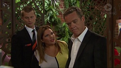 Daniel Robinson, Terese Willis, Paul Robinson in Neighbours Episode 7320