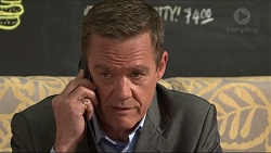 Paul Robinson in Neighbours Episode 7322