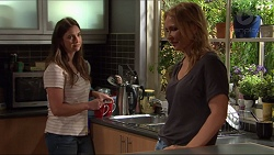 Amy Williams, Steph Scully in Neighbours Episode 7327