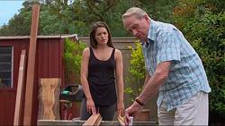 Paige Novak, Doug Willis in Neighbours Episode 7330
