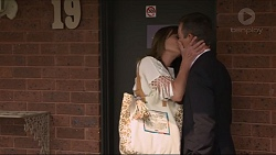 Nina Williams, Paul Robinson in Neighbours Episode 7332