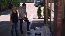 Steph Scully, Mark Brennan in Neighbours Episode 7333