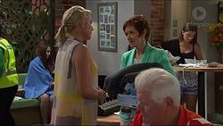 Lauren Turner, Susan Kennedy in Neighbours Episode 7338